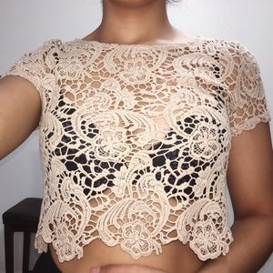 Tops - CUTE SUMMER CROP TOP!